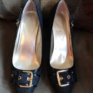 Slightly used but very GREAT condition Guess heels